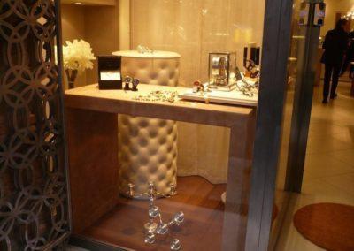 Particolare della vetrina dello Showroom Sbalzer di Brescia