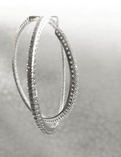 Orecchini a cerchio in Platino con Diamanti interni e esterni