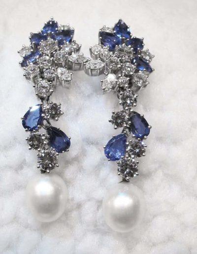 Orecchini pendenti in platino Diamanti e Zaffiri anni 70